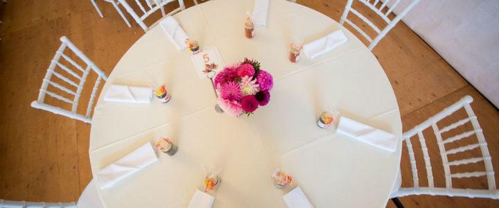 Location de mobilier événementiel : créez une déco de mariage unique !